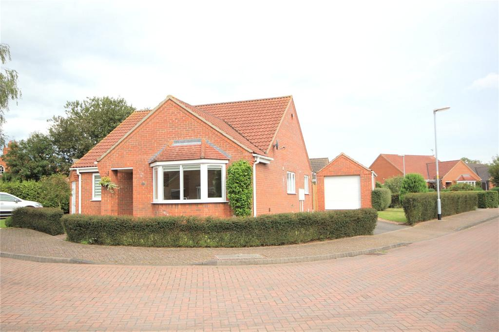 3 Bedrooms Detached Bungalow for sale in The Paddocks, Great Hale, NG34