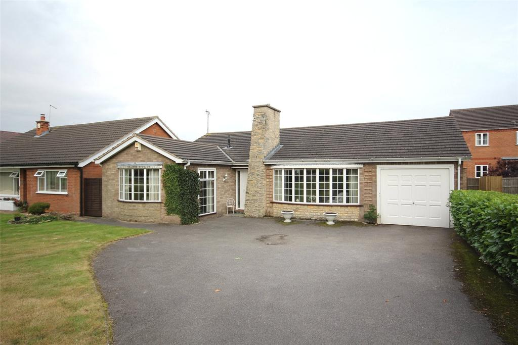 2 Bedrooms Detached Bungalow for sale in Grantham Road, Bracebridge Heath, LN4