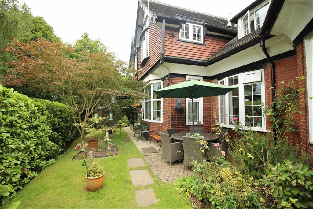 3 Bedrooms Apartment Flat for sale in Buxton Old Road, Disley, Stockport, Cheshire