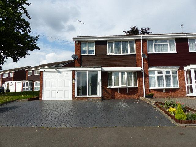 3 Bedrooms Semi Detached House for sale in Sandon Grove,Erdington,Birmingham
