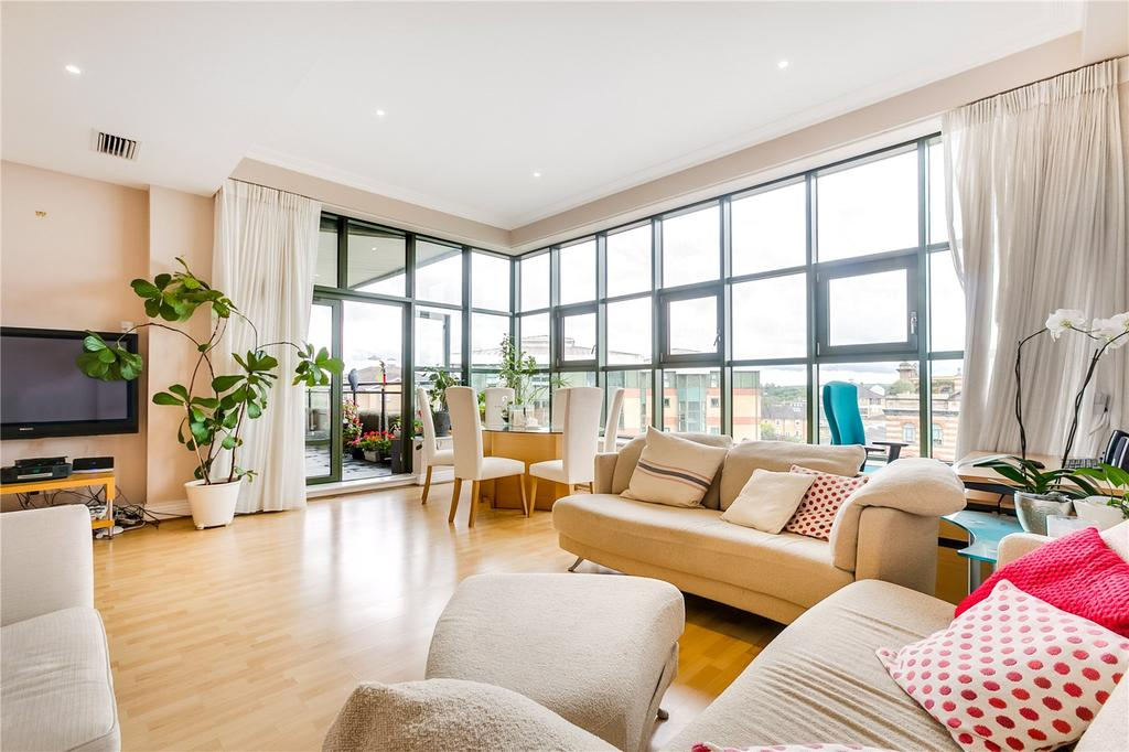 2 Bedrooms Flat for sale in Somerville Avenue, Harrods Village, Barnes, London