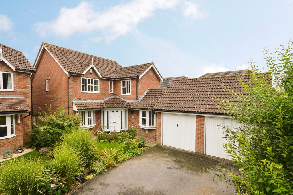 4 Bedrooms Detached House for sale in Ashford, TN24