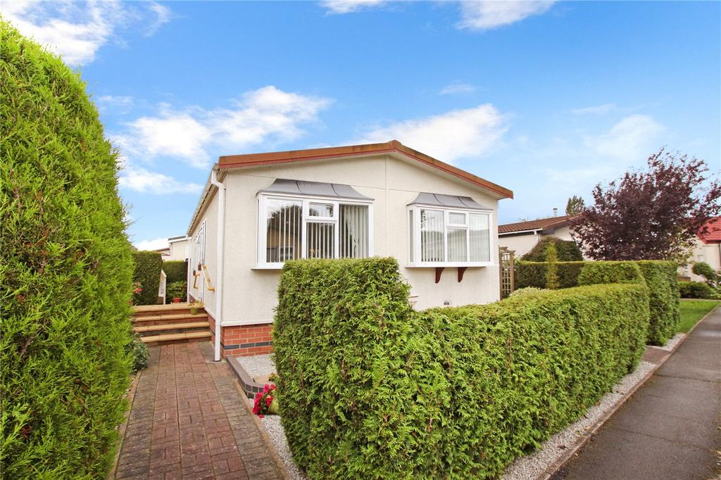 2 Bedrooms Bungalow for sale in Greenacres Park, Adbolton Lane, West Bridgford, Nottingham, NG2