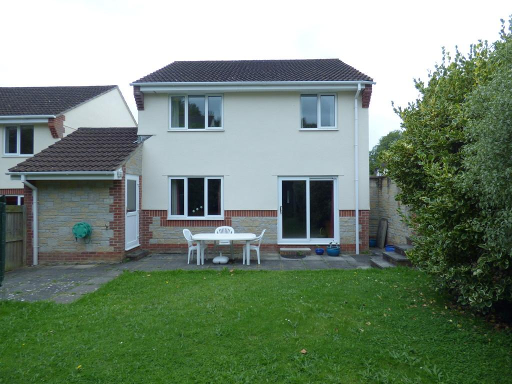 4 Bedrooms Detached House for sale in Little Close, Kingsteignton, TQ12 3YZ