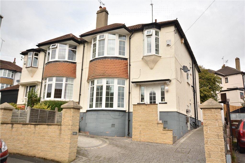3 Bedrooms Semi Detached House for sale in Allerton Grange Vale, Moortown, Leeds