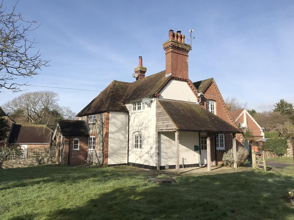 3 Bedrooms Detached House for sale in Bury, West Sussex
