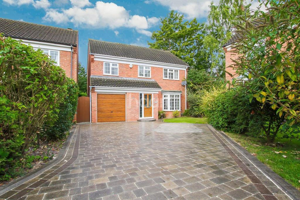 4 Bedrooms Detached House for sale in Stunning family home in Warden Hills