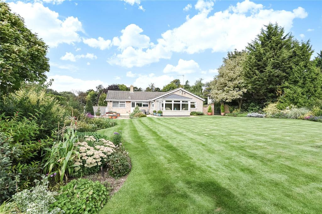 4 Bedrooms Detached House for sale in Windmill Hill, Exning, Newmarket, Suffolk, CB8