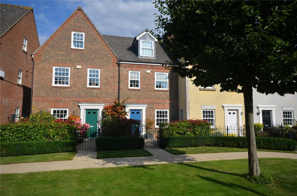 3 Bedrooms Terraced House for sale in Summersdale Road, Chichester, West Sussex, PO19