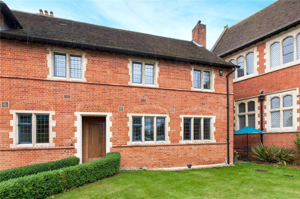 3 Bedrooms Retirement Property for sale in Abbey Gardens, Upper Woolhampton, Reading, RG7