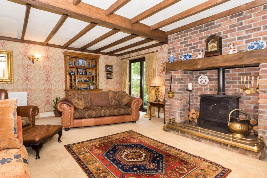 4 Bedrooms Semi Detached House for sale in Llanddaniel, Gaerwen, North Wales