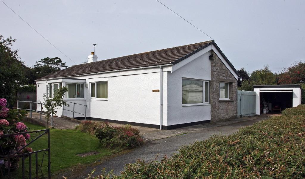 3 Bedrooms Detached Bungalow for sale in Brynteg, Llanfaelog, North Wales
