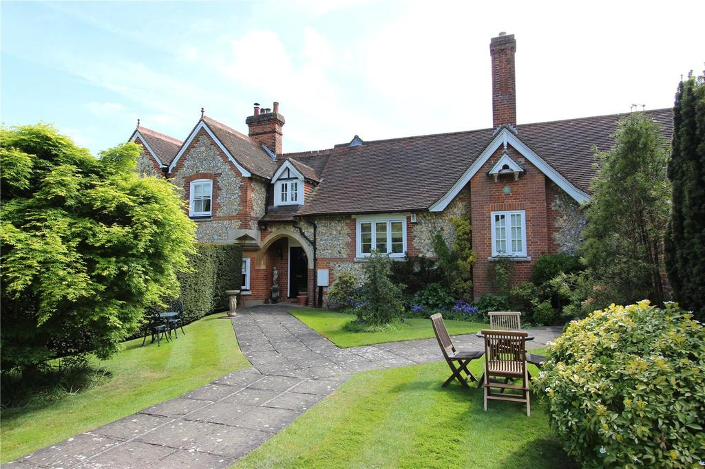 3 Bedrooms Terraced House for sale in Old School Mews, High Road, Chipstead, Coulsdon, CR5