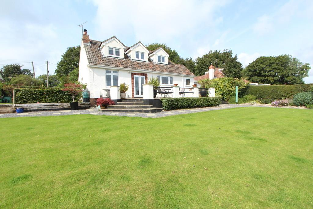4 Bedrooms Chalet House for sale in Superb rural location in Churchill