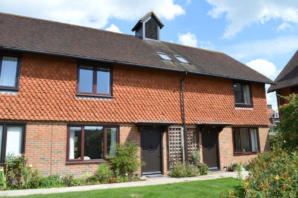 2 Bedrooms Cottage House for sale in Crittles Court, Townlands Road, Wadhurst TN5