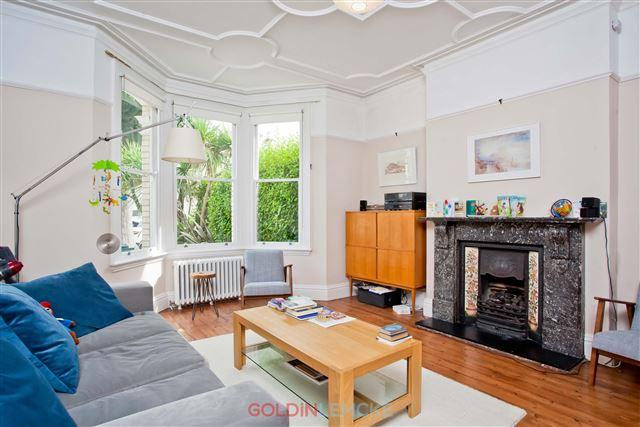 4 Bedrooms Semi Detached House for sale in Walsingham Road, Hove