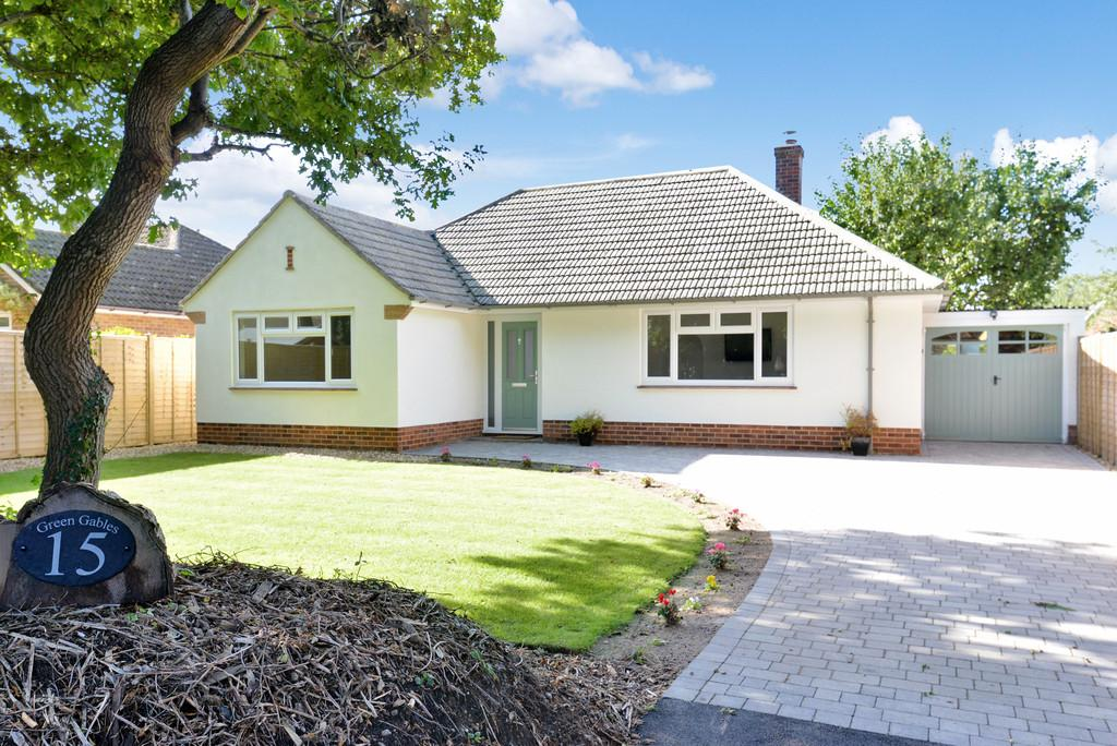 3 Bedrooms Detached Bungalow for sale in Cull Lane, New Milton