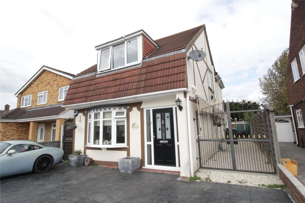 4 Bedrooms Detached House for sale in New Century Road, Laindon, Essex, SS15