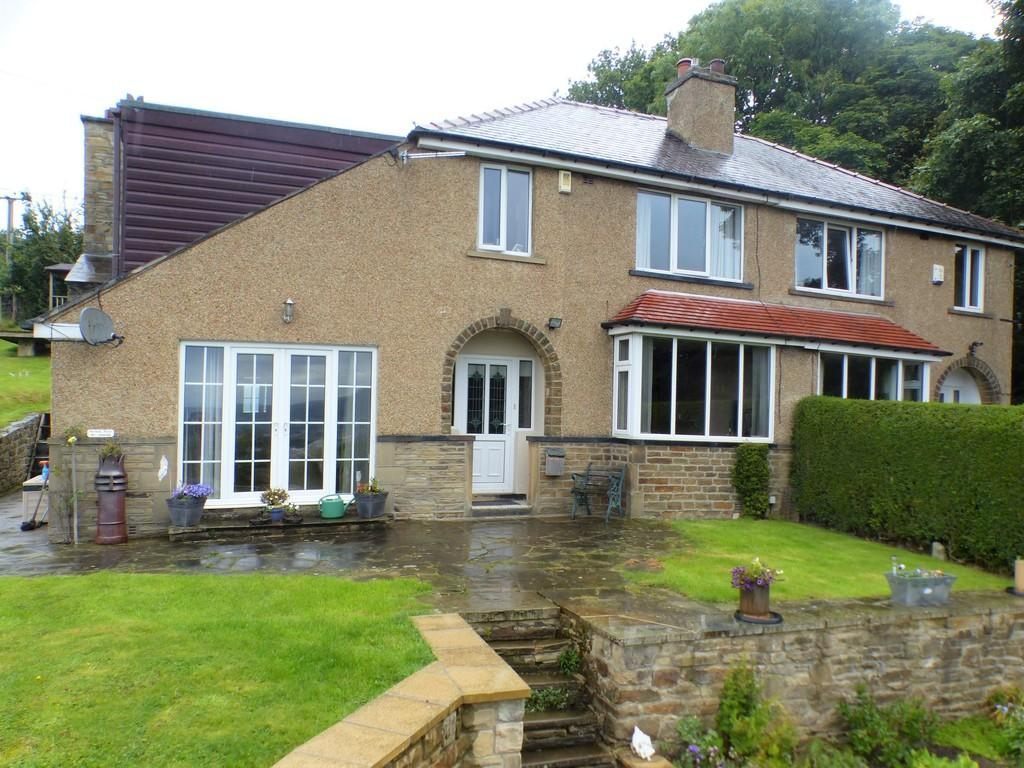 4 Bedrooms Semi Detached House for sale in Western Avenue, Riddlesden