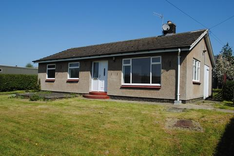 3 bedroom detached bungalow to rent - Bellingham