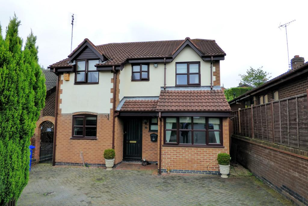 4 Bedrooms Detached House for sale in Leander Rise, Burton-on-Trent