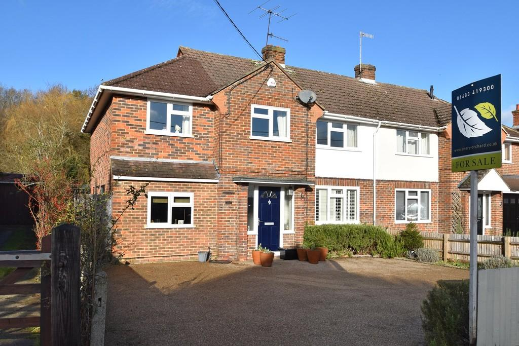 4 Bedrooms Semi Detached House for sale in Witley