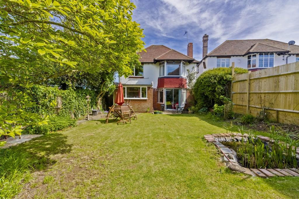 4 Bedrooms Detached House for sale in Woodland Drive, Hove