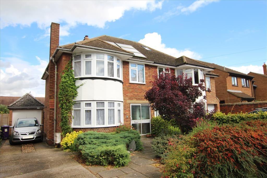 3 Bedrooms Semi Detached House for sale in Park Street, BALDOCK, SG7