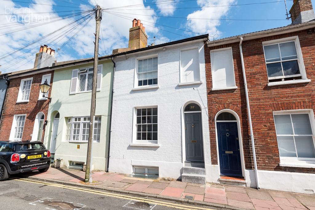 4 Bedrooms Terraced House for sale in Queens Gardens, Brighton, BN1