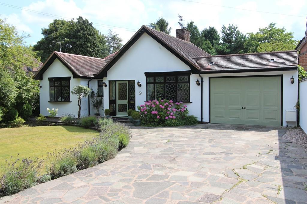 4 Bedrooms Detached Bungalow for sale in The Grove, Hampton-in-arden