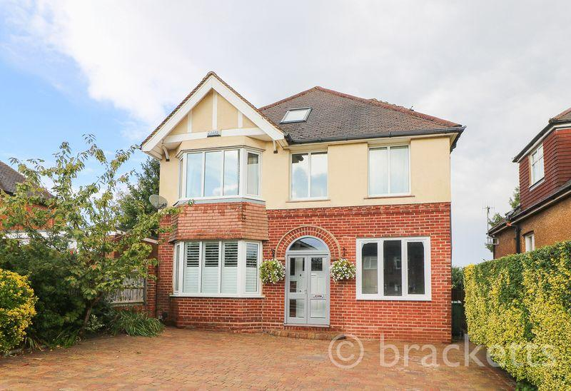 5 Bedrooms Detached House for sale in Yew Tree Road, Southborough