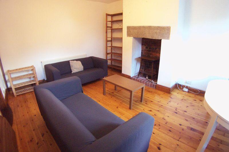 3 Bedrooms House for rent in St. Michaels Lane, Leeds