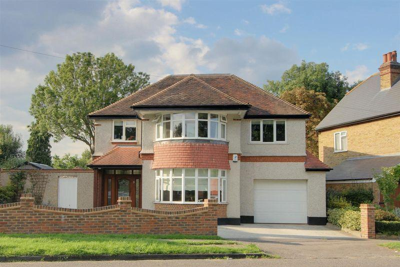 6 Bedrooms Detached House for sale in Woodcote Green, South Wallington