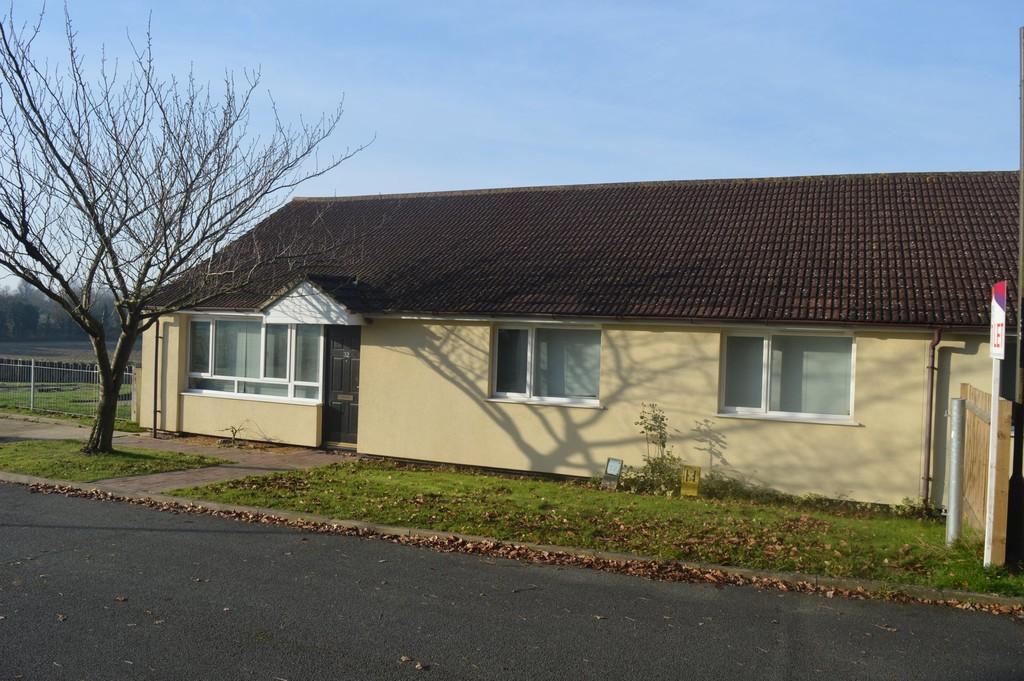 3 Bedrooms Semi Detached Bungalow for sale in Stanton, Bury St Edmunds