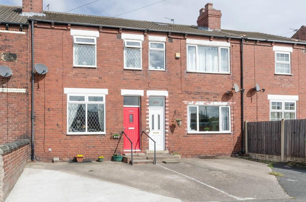 3 Bedrooms Terraced House for sale in Pontefract Road, Featherstone