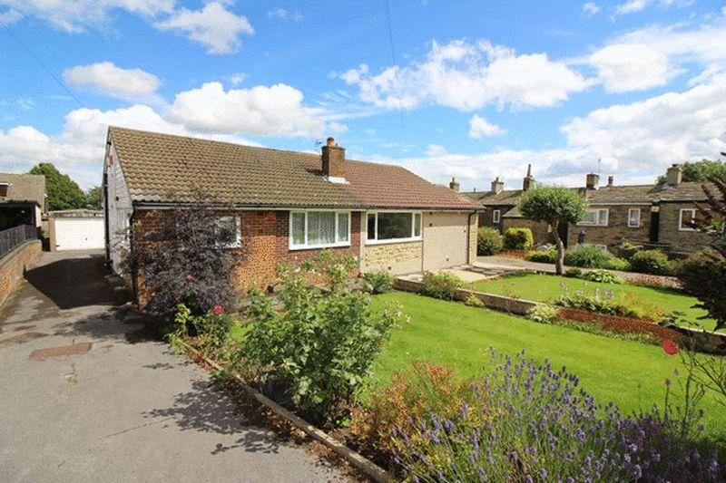 2 Bedrooms Bungalow for sale in Windmill Crescent, Halifax
