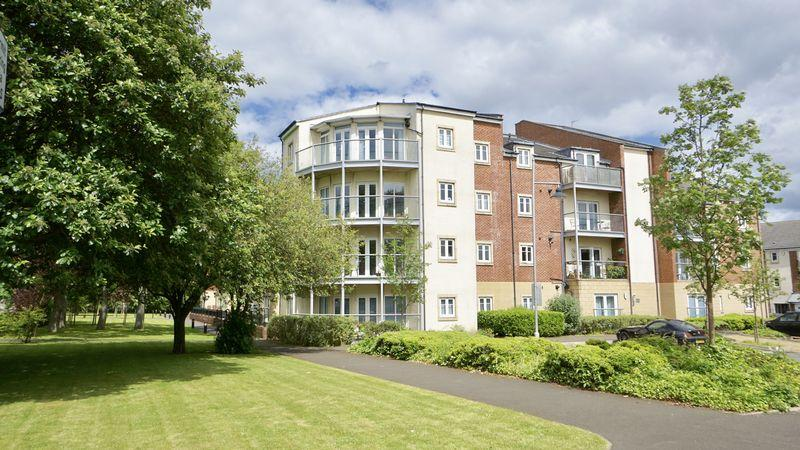 2 Bedrooms Apartment Flat for sale in MANOR PARK Benton
