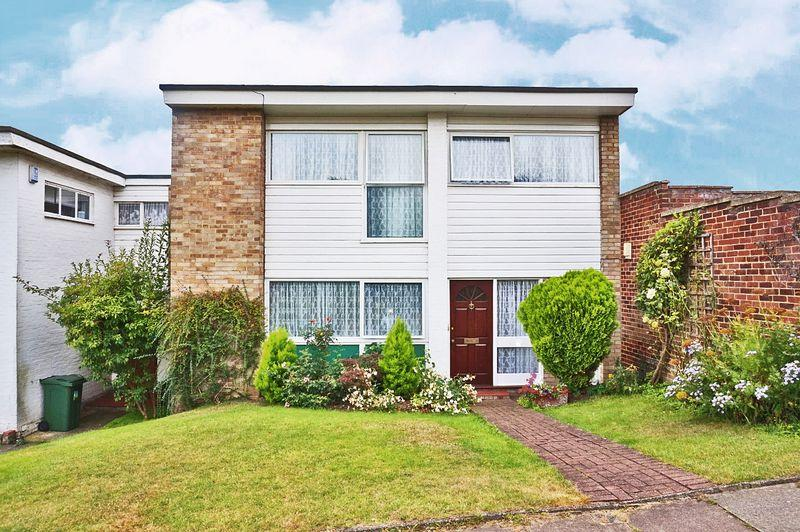 4 Bedrooms Detached House for sale in The North Glade, Bexley