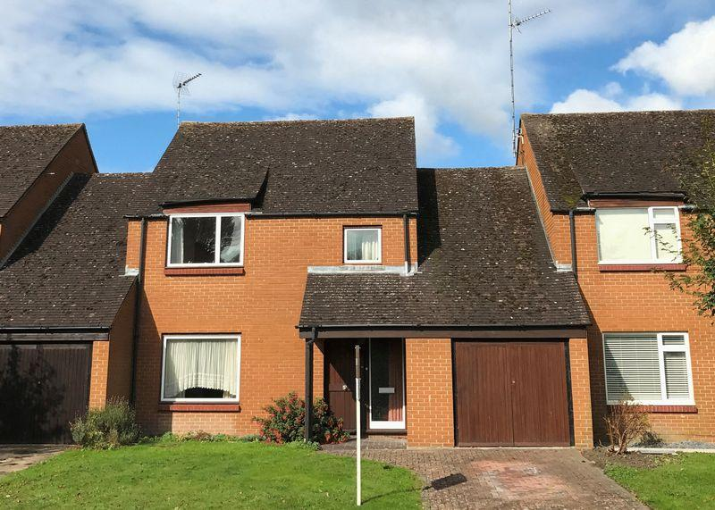 4 Bedrooms Link Detached House for sale in Adkin Way, Wantage