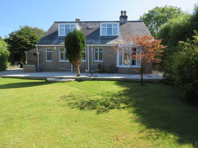 4 Bedrooms Detached House for sale in Highertown, Truro