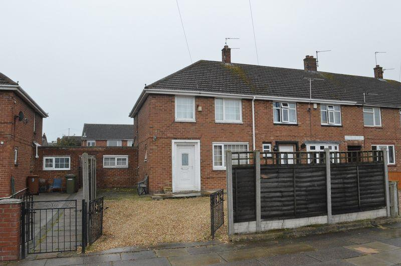 3 Bedrooms Semi Detached House for sale in Pershore Avenue, Grimsby
