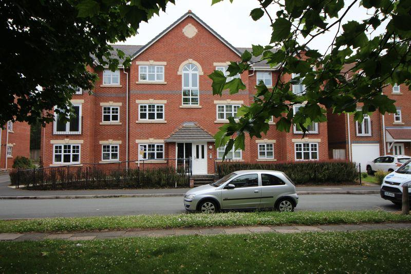 2 Bedrooms Apartment Flat for sale in Terminus Road, Bromborough