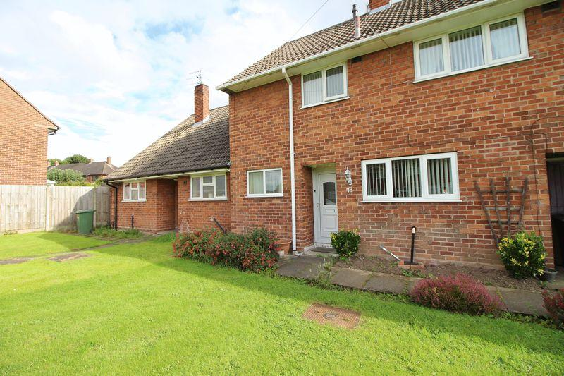 3 Bedrooms Terraced House for sale in Kelsall Avenue, Eastham