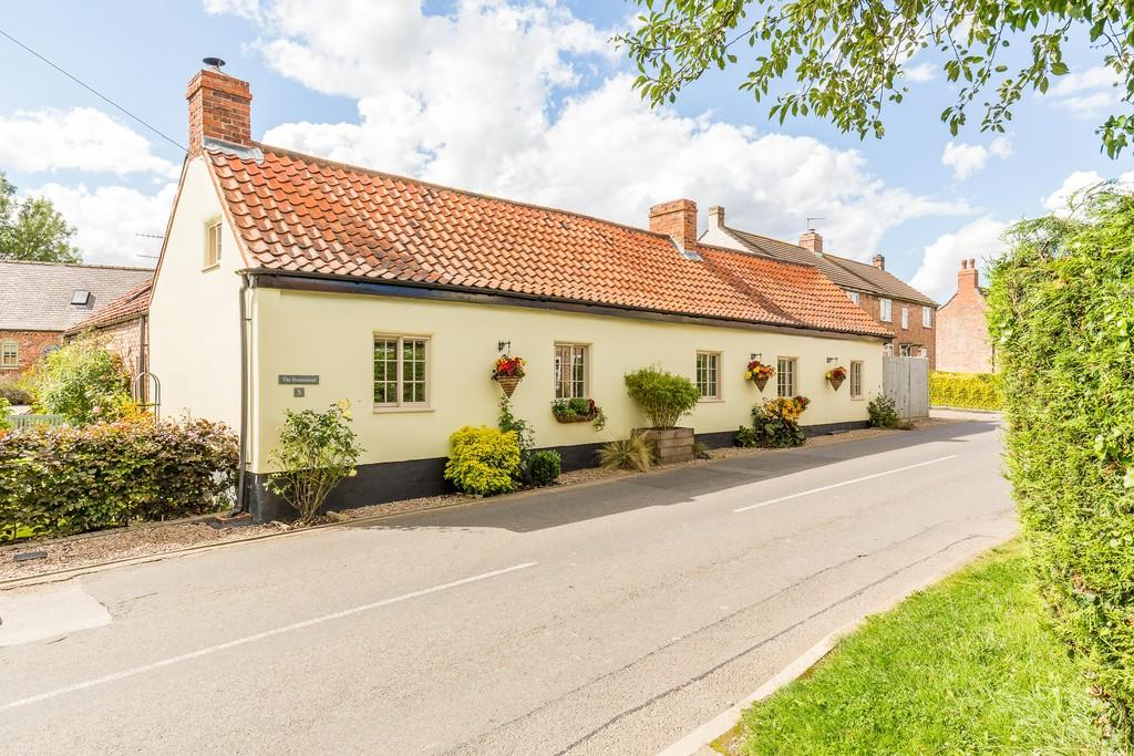 3 Bedrooms Cottage House for sale in High Street, Eagle, Lincoln