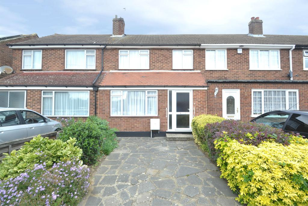 3 Bedrooms Terraced House for sale in Frinton Road, Collier Row