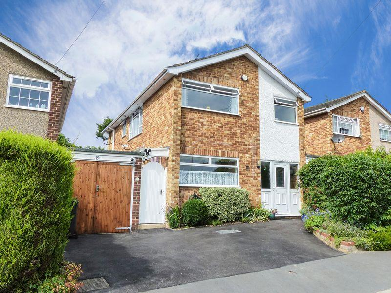 4 Bedrooms Detached House for sale in Flackwell Heath