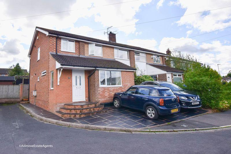 4 Bedrooms Semi Detached House for sale in Thirlmere Drive, Lymm