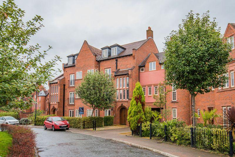 2 Bedrooms Apartment Flat for sale in Butts Green, Warrington