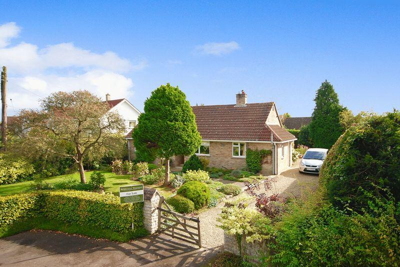 3 Bedrooms Detached Bungalow for sale in Baltonsborough Road, Butleigh