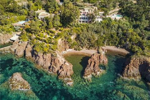 18 bedroom detached house  - Theoule-Sur-Mer, Alpes Maritimes